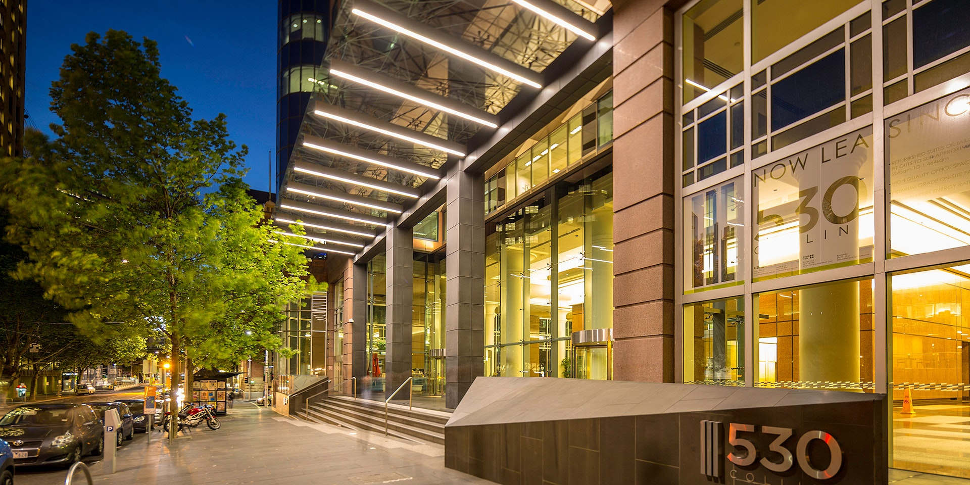 Beam high-power linear luminaire in application, installed on the facade of 530 Collins Street in Melbourne. Architectural LED Lighting.