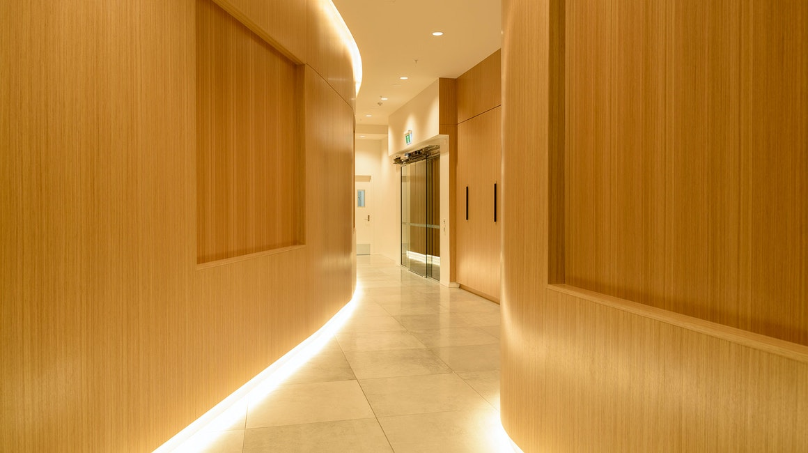 Primo CC illuminates the curved coves and Multo is used in all the joinery throughout.