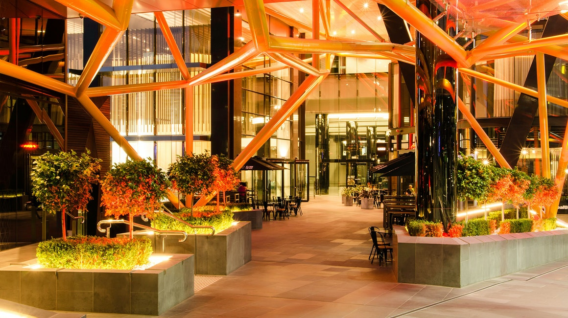 Collins Square is home to many cafes, restaurants, fashion, grocery and specialty retailers. Many pedestrians pass daily through the forecourt and relaxed alfresco area, part of the retail mix at Collins Square.