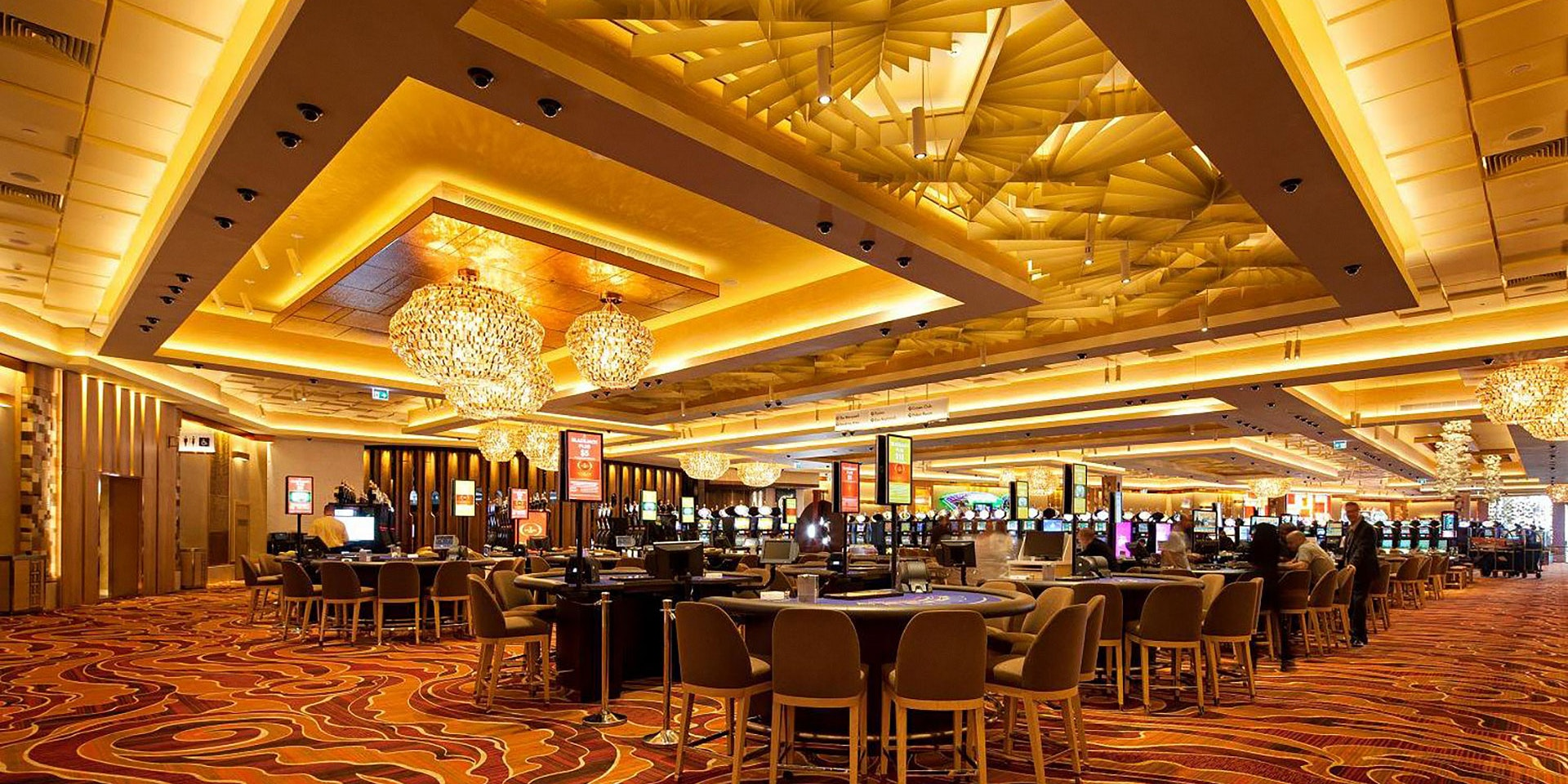 Aduro high-performance indirect LED strip in application, installed in the Crown Casino in Perth. Beautiful architectural lighting with a high CRI.