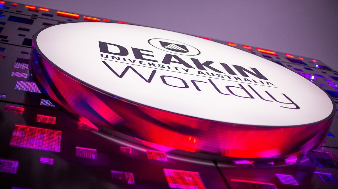 This Deakin signage project entailed installing a multitude of white, RGB and RGBW linear luminaires to illuminate and transform the iconic Cube.