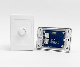 Dimmer Logic is the simplest wall-mount LED controller for architectural applications. Designed to complement our architectural range with smooth dimming in a convenient small package to fit standard electrical faceplates.