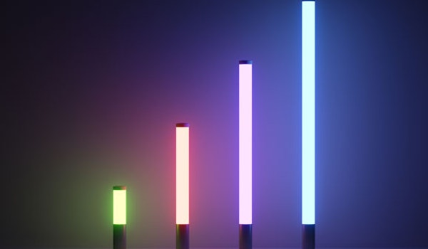 Lonsdale is an RGB illuminated pole-top light column which allows individual addressing via DMX/RDM protocol for maximum customisation.