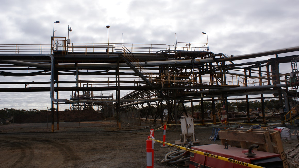 Range of Coolon luminaires on an industrial site in Kalgoorlie.