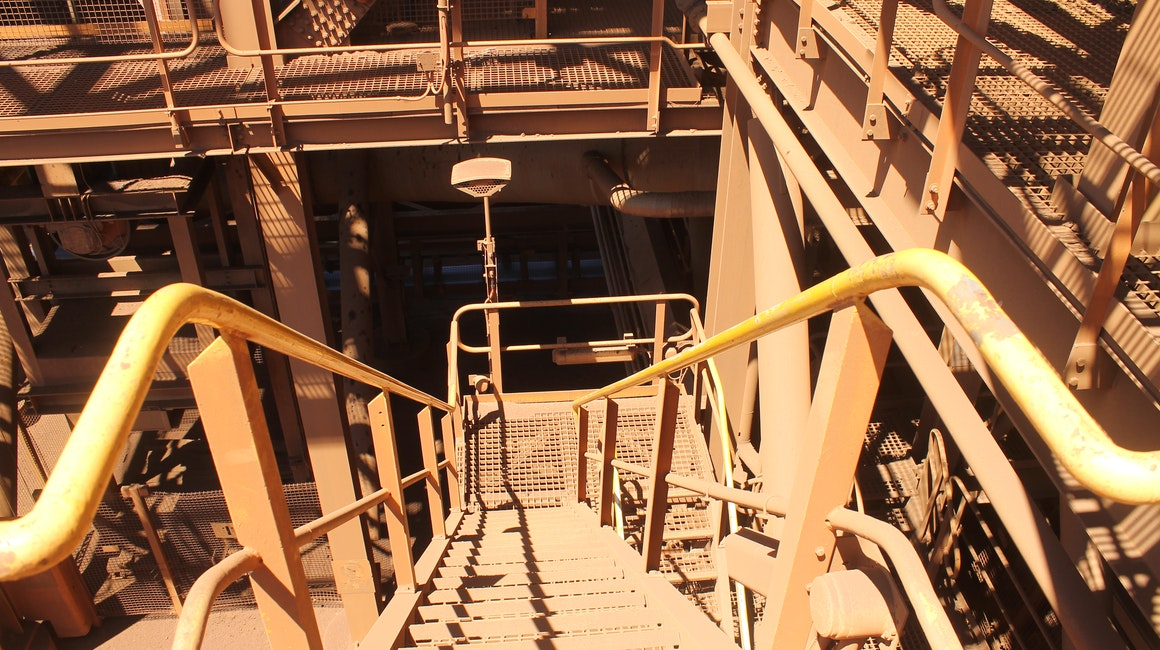 Coolon DLK2 installed on a conveyor in Coastal Pilbara. Close up on a DLK2 installed on a stairwell.