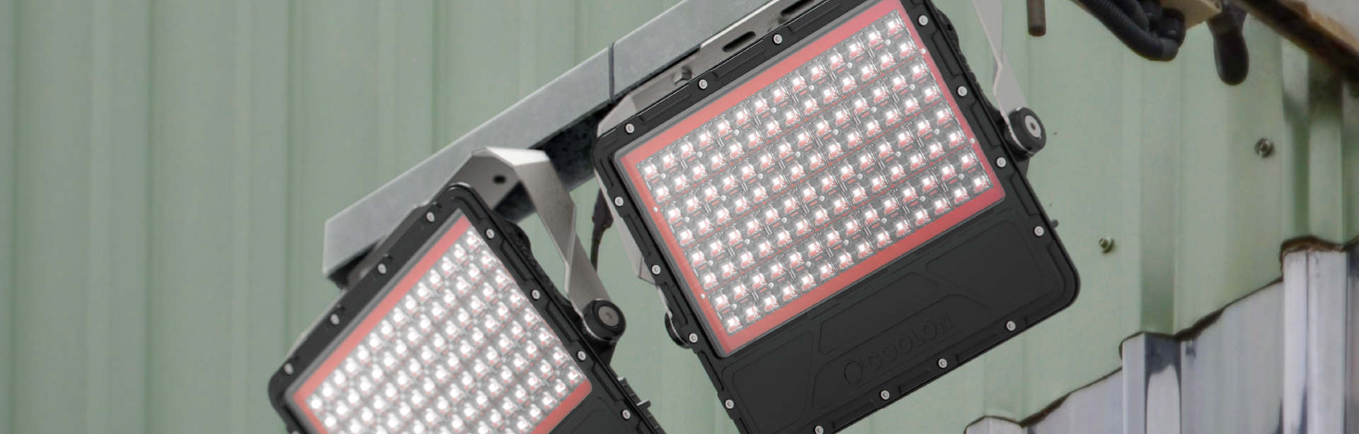 Cassidy LED mining floodlight has been specifically designed to provide ease of installation with high flexibility in optics selection and mounting position.
