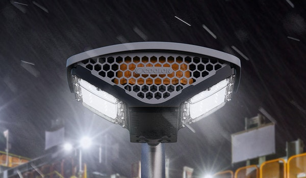 DLK2 offers the most robust and energy-efficient way of illuminating industrial conveyors, platforms and walkways. Close up on the luminaire.