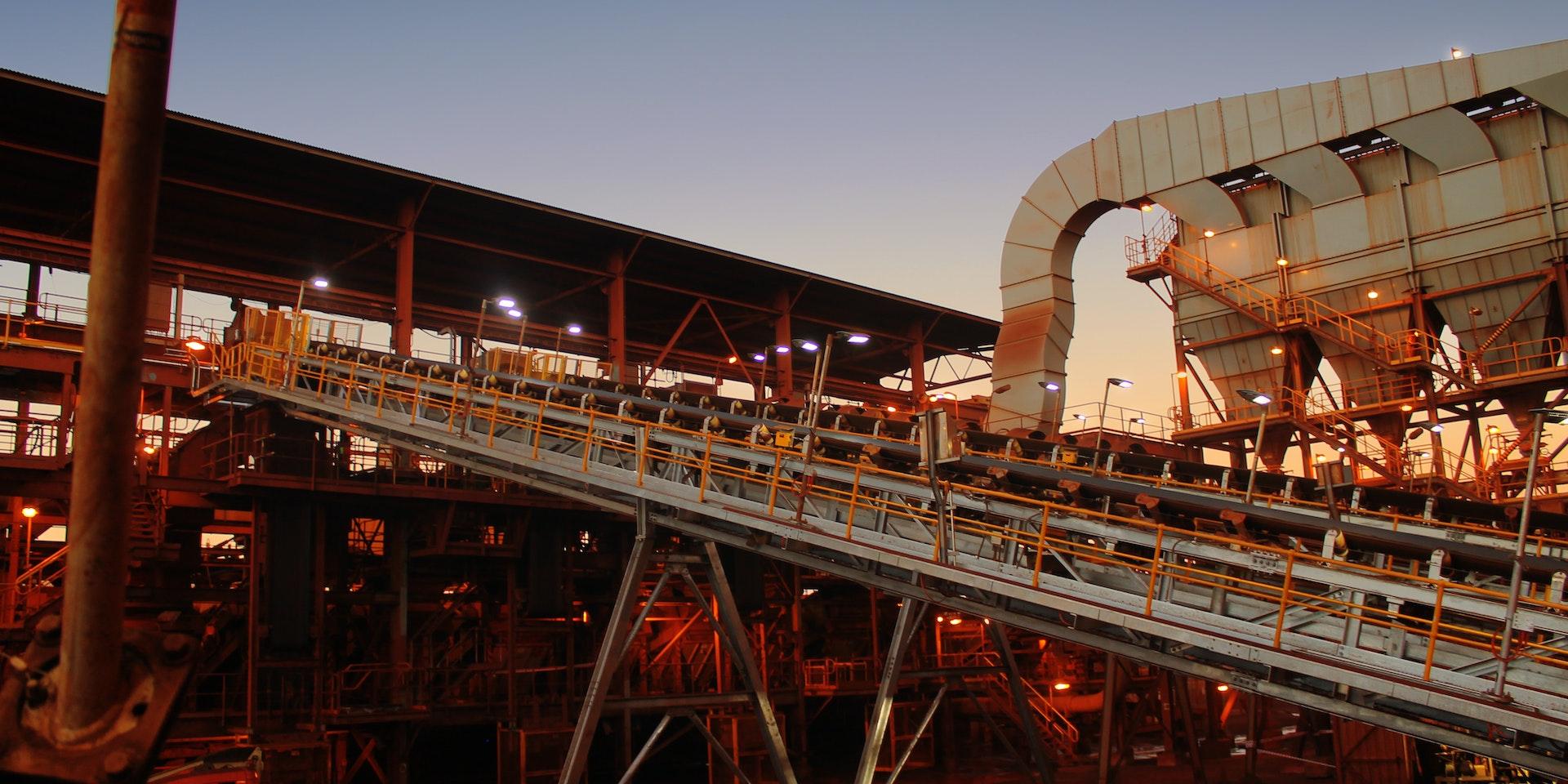 EMDLK2 in application, installed on an industrial conveyor.