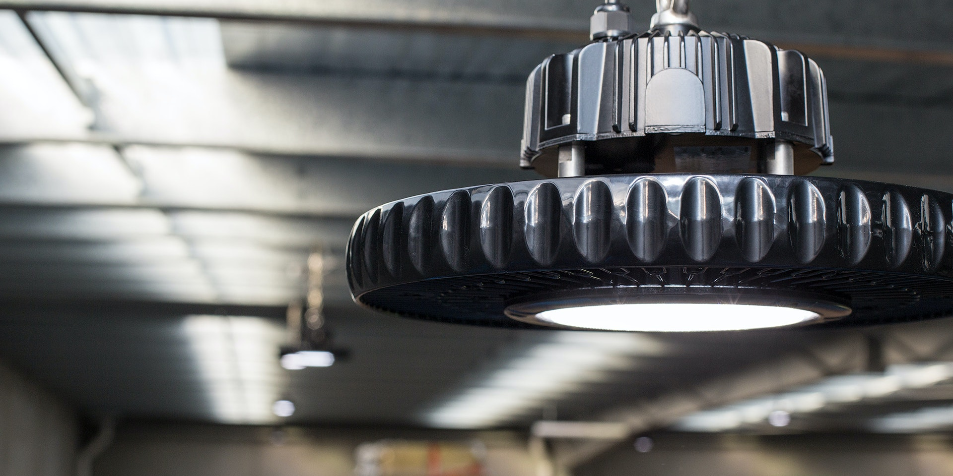 IBYS LED High Bay in application, installed in a warehouse
